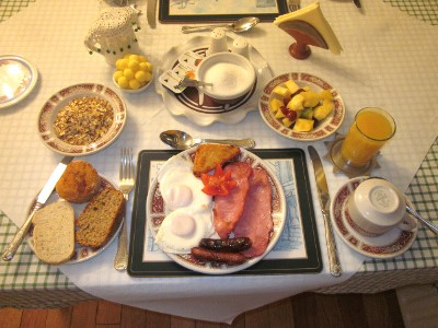 Breakfast at Pineforest Bed and Breakfast